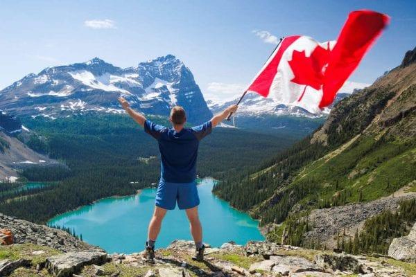 Hoàn tất thủ tục xin visa thăm thân Canada tại công ty ANB