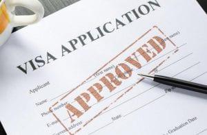 Cách xin visa đi Canada thăm bạn bè