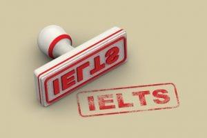 Theo tiêu chuẩn ở Úc, bạn phải đạt trình độ IELTS 4.5
