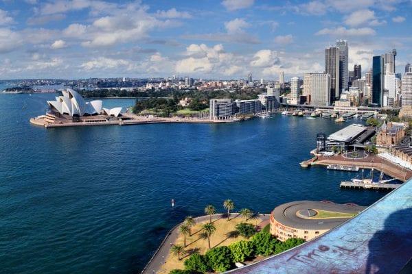 Tìm kiếm việc làm trên thị trường xuất khẩu lao động Úc