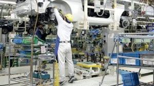 Công việc trong các nhà máy, xí nghiệp hàn, cơ khí: